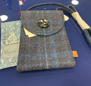 Picture of Limited Edition  Harris Tweed Shoulder Bag  in Ross County Tartan